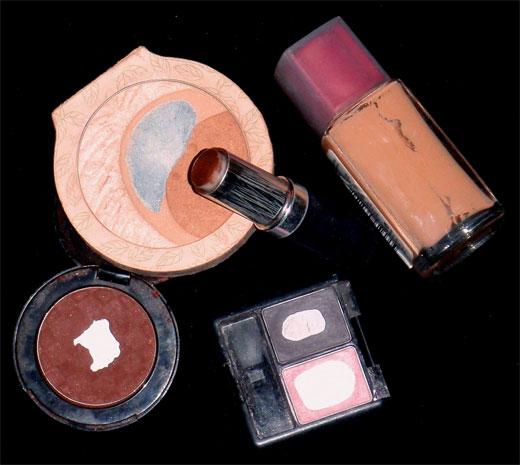 Los peligros del uso de productos cosméticos vencidos